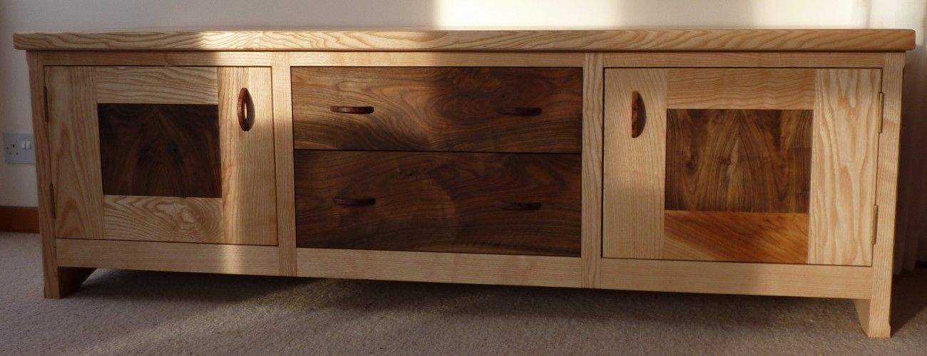 bespoke furniture, Somerset, Dorset, cabinet maker, furniture maker, carpenter, kitchens, wardrobes, coffee tables, shutters, dining tables, bespoke fitted furniture