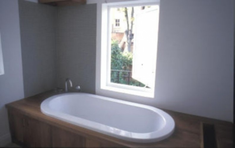 bespoke wooden bathrooms, bespoke carpenter, rolltop bath