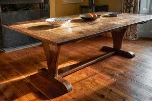 bespoke dining table, bespoke fine furniture, Somerset, Dorset, South West England